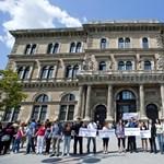 Kitiltották a Corvinusról a Hallgatói Hálózat éjszakai felsőoktatási vitáját