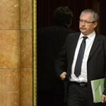 Ezért maradt Fazekas miniszter az olcsó borok központi regulázásánál