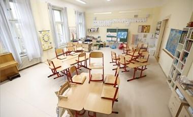 Digitális oktatásról volt szó, a kormány mégis rendkívüli iskolai szünetről posztolt