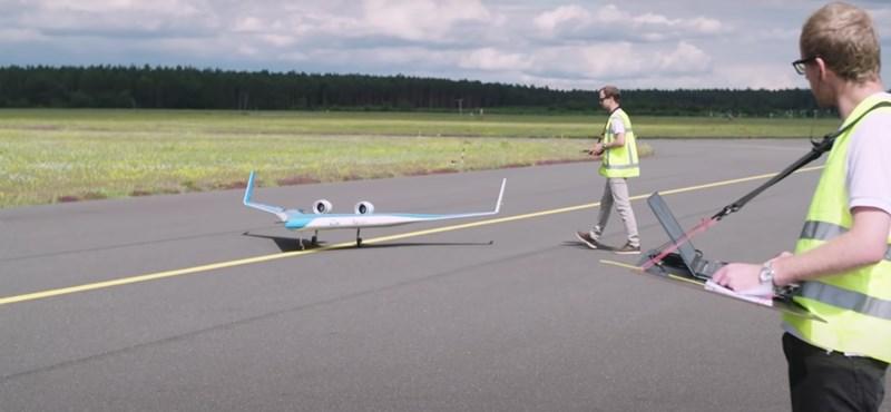 Videó: Kipróbálták az új V-alakú repülőgép prototípusát, és nagyon jól megy