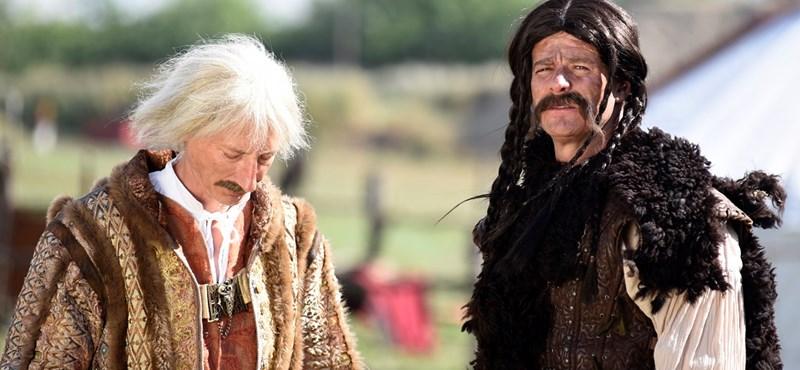 Részeg hírességek mesélik el a magyar történelmet a Comedy Central új műsorában