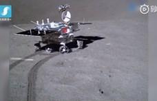 Jött egy videó a Hold sötét oldalán kalandozó kis kompról
