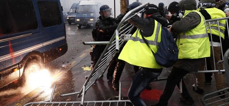 Feldúlták Párizst a sárgamellényesek, ideje higgadtan érvelni?