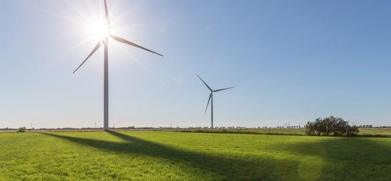 Az atommániás franciák is fejest ugranak a szélenergiába