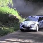 Így száguld a Hyundai i20-ból készített raliautó - videó