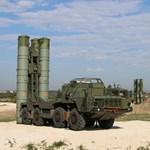 Megérkeztek az orosz légvédelmi rendszer elemei Törökországba