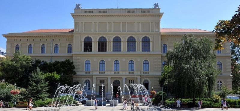 A szegedi egyetem rektora a fertőzötten operáló orvos