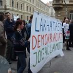 Diákok és oktatók is tüntettek az alaptörvény módosítása ellen