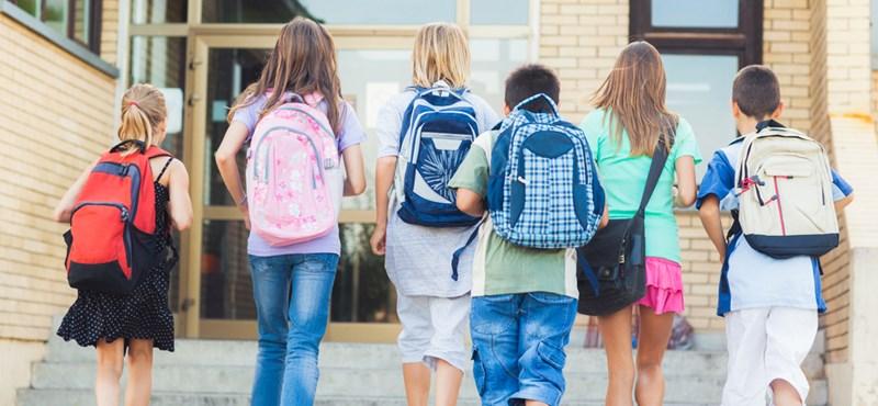 Inkább fizetnek, de menekítik a diákokat az állami iskolákból