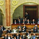 Megválasztotta a parlament az öt új alkotmánybírót