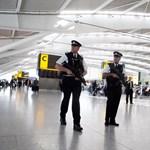 Lehetetlen a távolságtartás a reptereken a Heathrow vezetője szerint