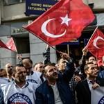 Egy gyógyszereket szállító török konvojt is bombázhattak az oroszok