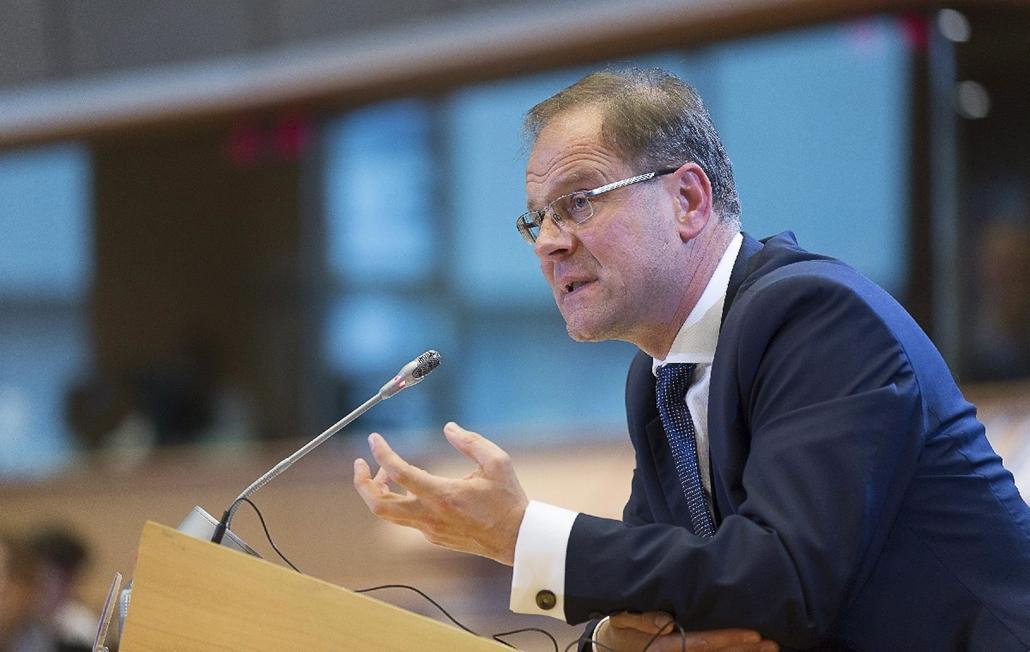 20141002004 - AP_! - okt.15-ig - Brüsszel, Belgium: Navracsics Tibor meghallgatása