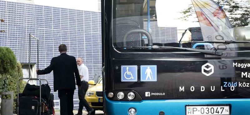 Bemutatták a magyar fejlesztésű és magyar gyártású elektromos buszt