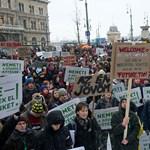 Egyetemfoglalás: tüntetők vonultak az ELTE jogi karára - Nagyítás-fotógaléria