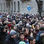A tüntető diákok remélik, hogy Orbán Viktor visszaemlékezik fiatalkori önmagára