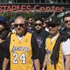 Több tízezren búcsúztak Kobe Bryanttől