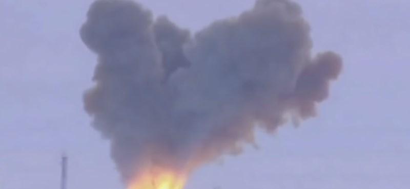 Felrobbant egy orosz ballisztikus rakéta hajtóműve, többen meghaltak