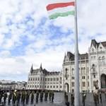 A kormány kitiltotta a Kossuth térről az egyszerű közlekedési eszközöket