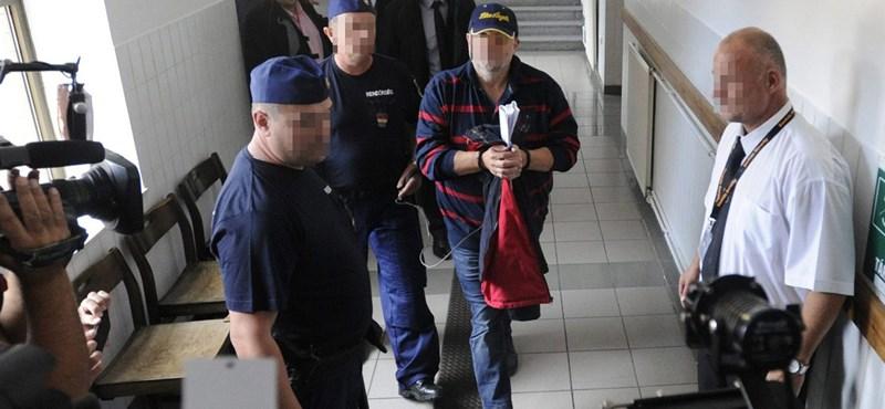 Újra átkutatták a rendőrök Lagzi Lajcsi ingatlanjait