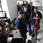 Bors: Életveszélyben voltak Lagzi Lajcsi lakóparkjának lakói
