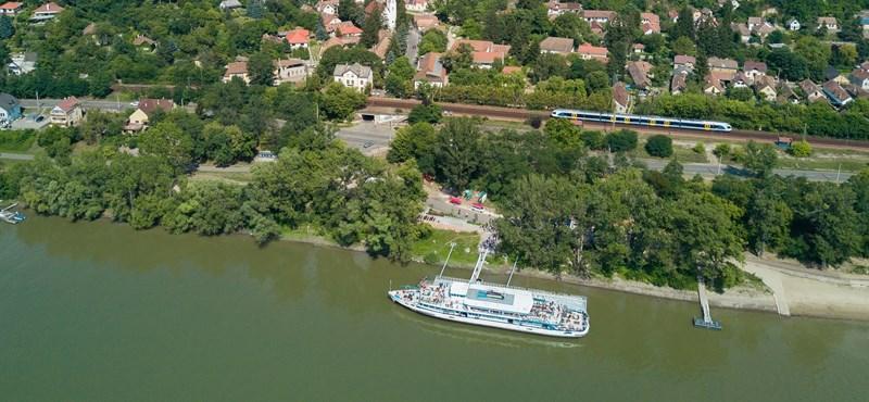 Már a MÁV-pénztárakban is lehet napijegyet venni a dunakanyari hajójáratra