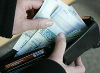 Minél több pénz van benne, annál inkább visszaadjuk a talált tárcákat