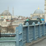 Minden eddiginél szigorúbb, többhetes lezárás lép életbe Törökországban