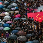 Hongkongi tüntetések: brutális jelenetek zajlottak a metróban, a tanévkezdést is bojkottálják