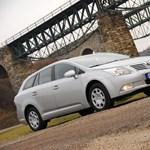 Toyota Avensis teszt: a hivatalnokok imádni fogják