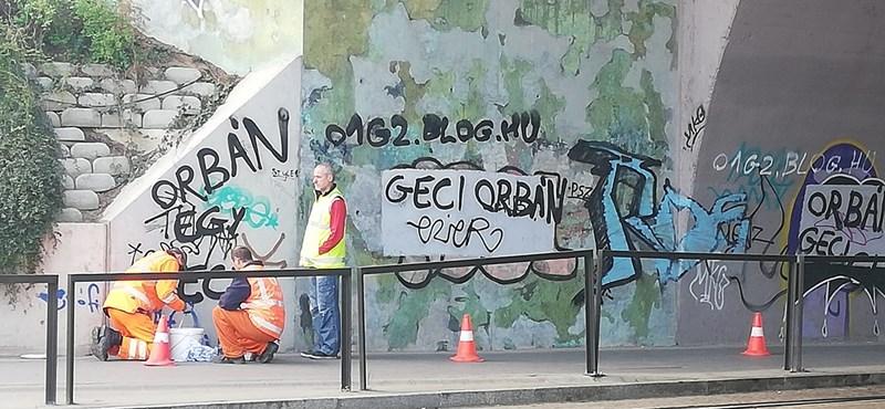 Példás gyorsasággal tüntetik el az Orbánt gyalázó feliratot