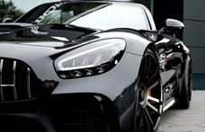 750 lóerős lett a legújabb Mercedes-AMG GT R