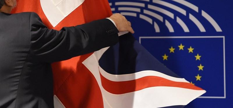 Megvan, mikor kezdődik az EU és a britek között bokszmeccs
