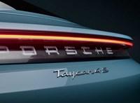 A Porsche elismerte, hogy egy vadonatúj elektromos Taycan robbant fel egy garázsban