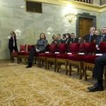 A hét, amikor Magyarország belenézett a szakadékba