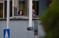 Kettős kordonnal védi magát a Fidesz a kihelyezett frakcióülésen - fotók
