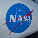 Egy Teslával kezdik meg a NASA asztronautái az űrutazásukat