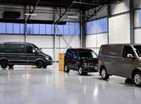 Ki parkol ügyesebben: egy autós kaszkadőr vagy az automata parkolóasszisztens?
