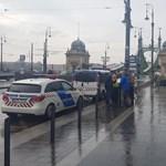 A Lánchíddal kezdenék a hídfoglalást, a rendőrség betiltotta az akciót