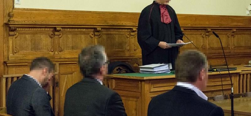 Egymilliós büntetéssel megúszta a hivatali visszaélést Rogán volt jegyzője