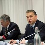 Orbán gazdaságpolitkáról oktatta brüsszeli hallgatóságát