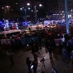 Az AfD választási bulijánál tüntettek a szélsőjobb előretörése miatt dühös németek - videó