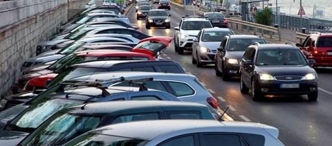 Zhvg: A Levegő Munkacsoport szerint az ingyenes parkolás többet ...
