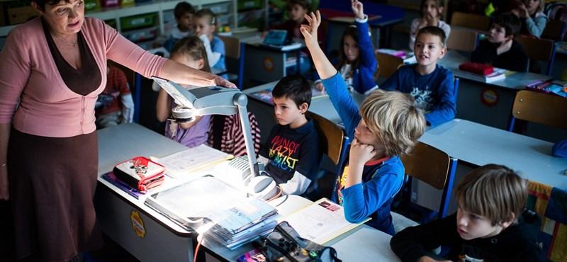 Ilyen vizsgák várnak a tanárokra - minősítés lépésről lépésre