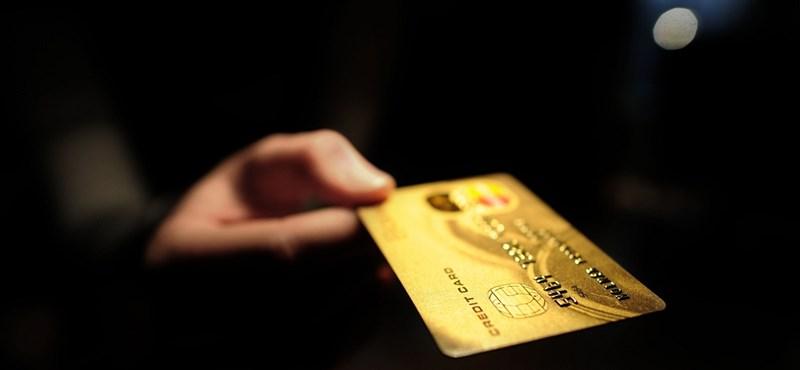 Óriási változás jöhet a bankkártyákon