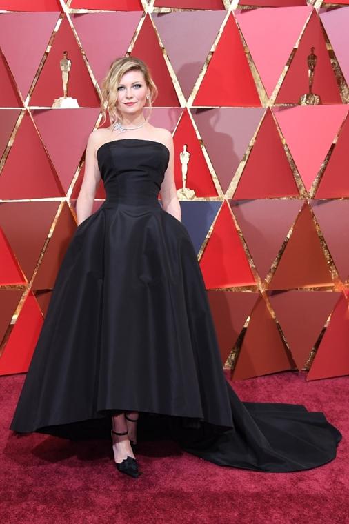 afp.17.02.27. - Hollywood, USA: 89. Oscar-díj - érkezés - Kirsten Dunst - Oscar-díj 2017