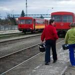 Magyarázza a Fidesz a 410 vonatjárat törlését