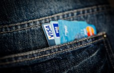 Ujjlenyomat-olvasós bankkártyákat adna ki a Samsung és a Mastercard