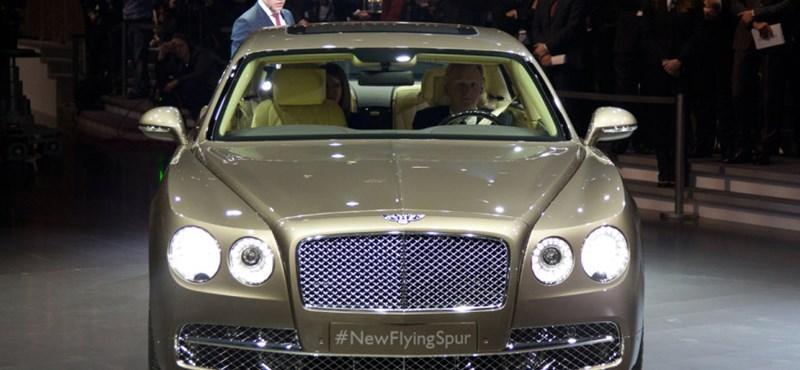 Fotók: az új Bentley is bemutatkozott