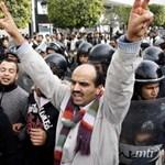 Vége az éjszakai kijárási tilalomnak Tuniszban